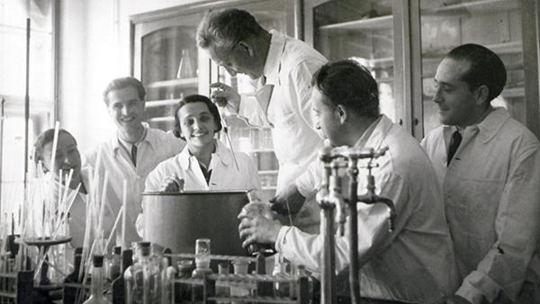 125 éve, szeptember 16-án született Szent-Györgyi Albert professzor